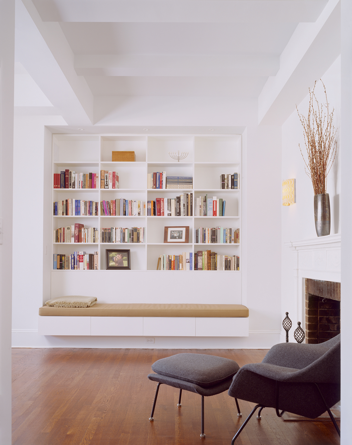 New York architects created built in book shelves