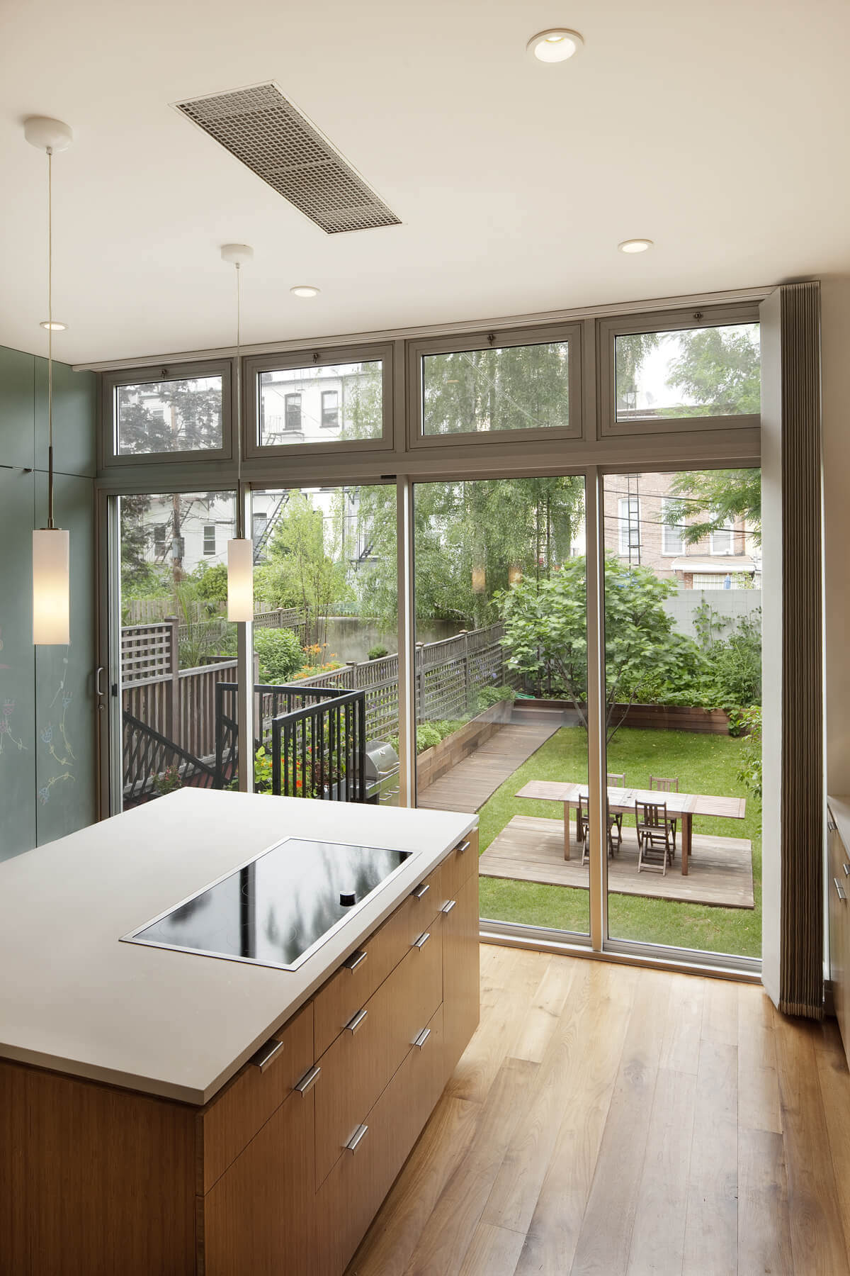 sustainable design strategies include a rear wall of glass