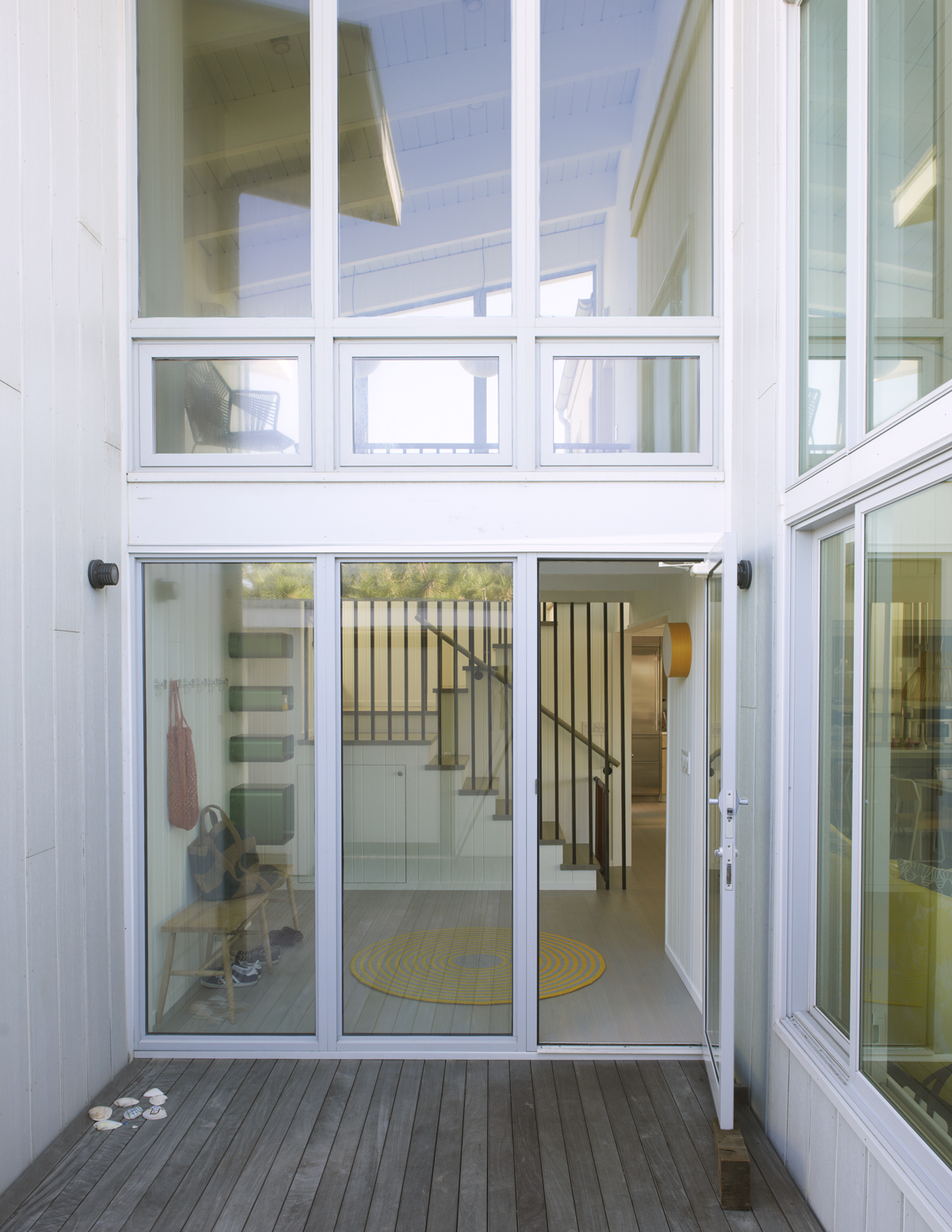 Fire Island beach house -- aluminum glazing system