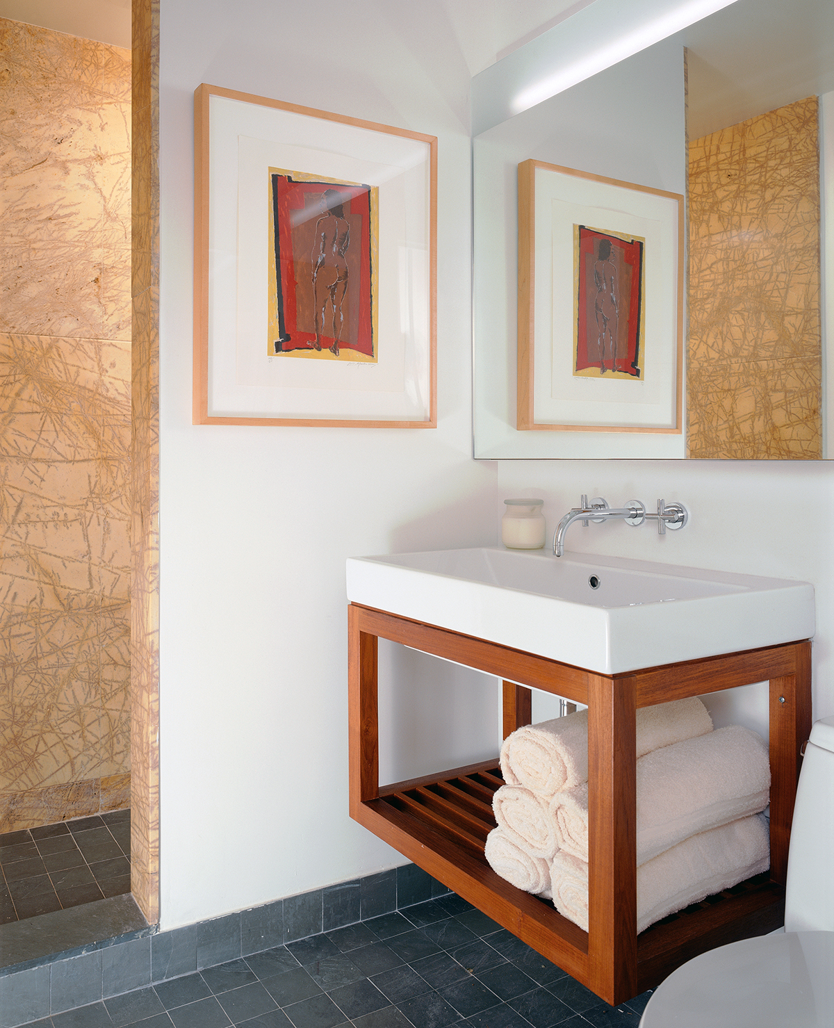 greenwich village apartment bathroom