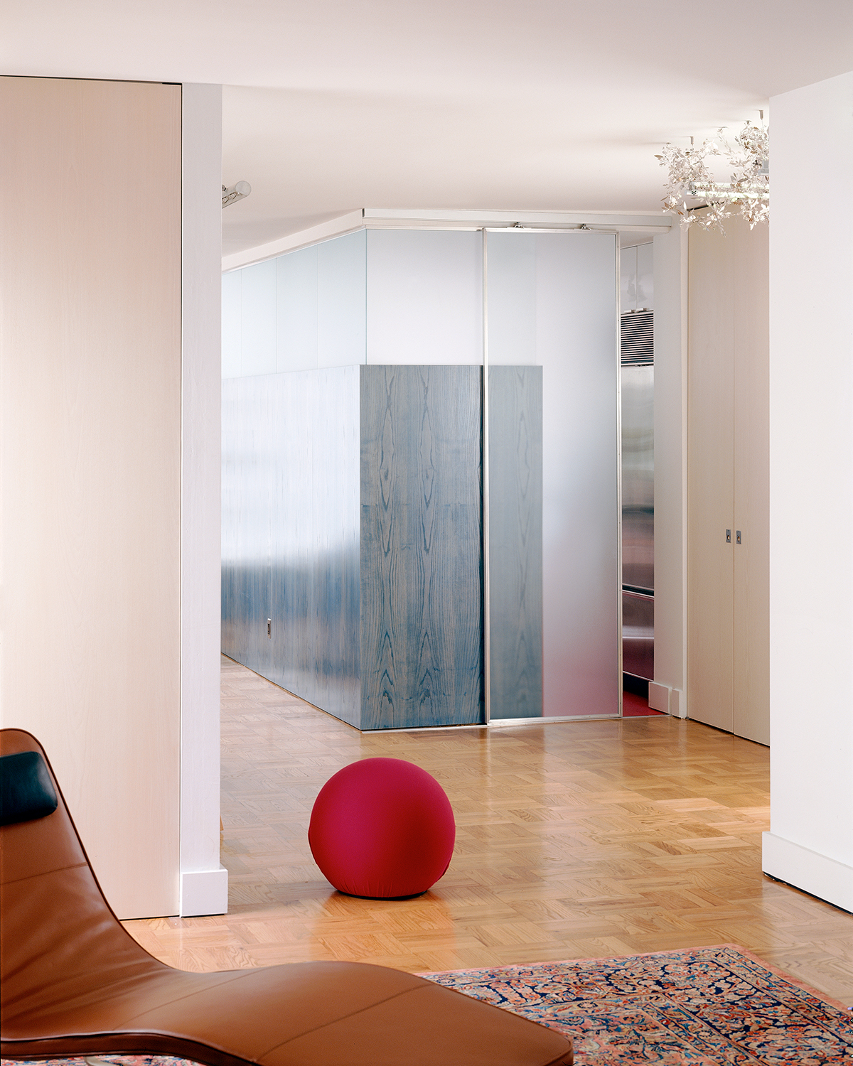greenwich village apartment translucent partition