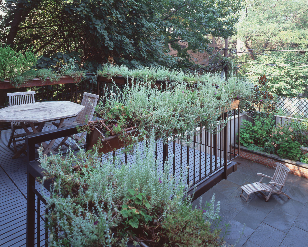 Park Slope Brownstone Open Functional Kitchen Garden Deck Cantilevers