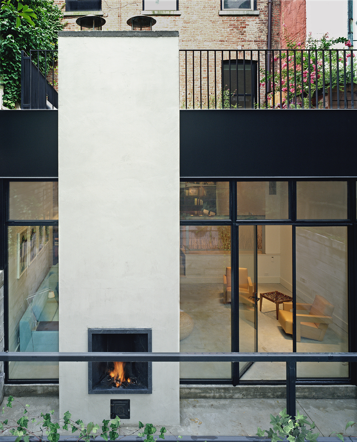 New York architects combined - garden fireplace in soho