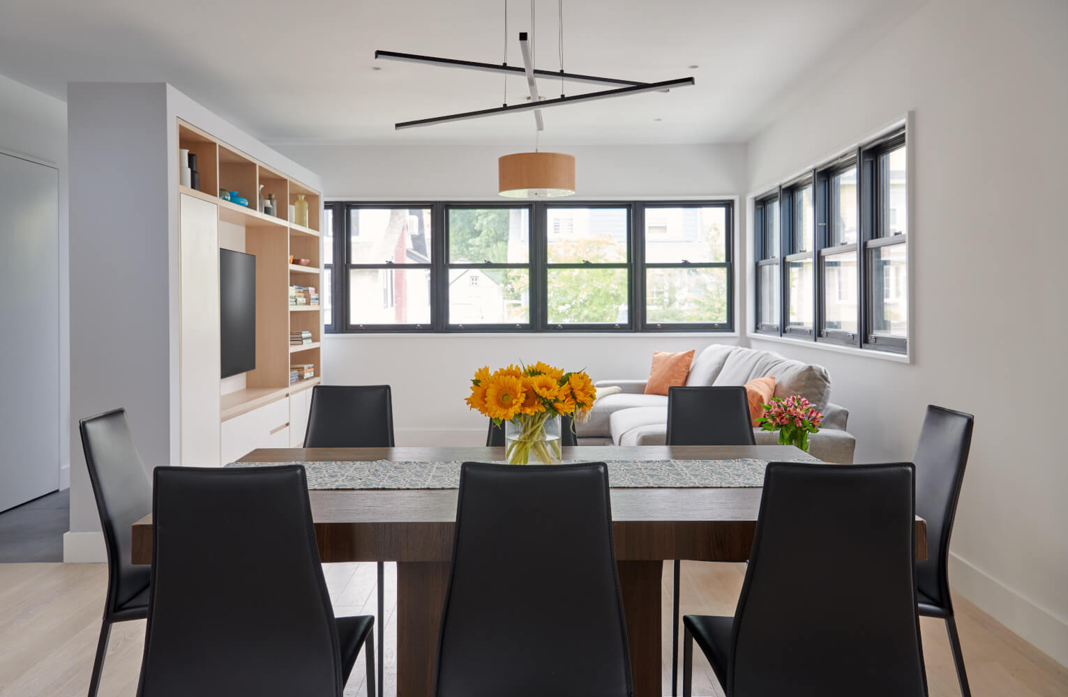 house in Queens living/dining room